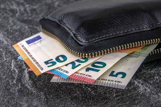 MILANO CERCO FINANZIAMENTO 4000 EURO